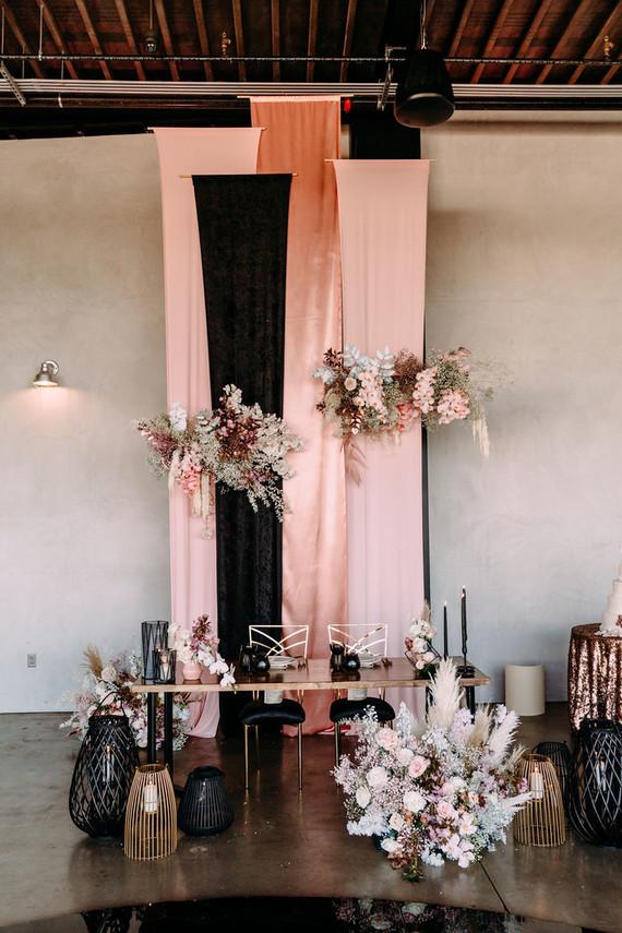 Black + blush wedding | Hangar 21 wedding | 100 Layer Cake