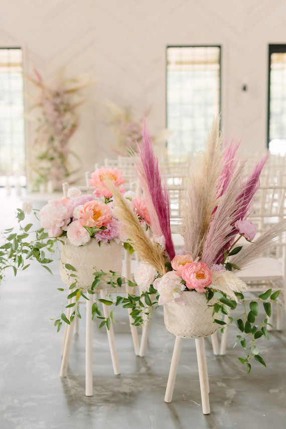 Blush + white wedding theme
