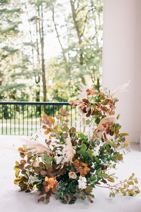 Fall florals for ceremony