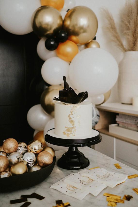 NYE cake
