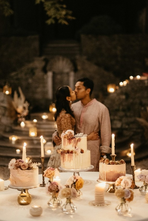 cake table at wedding