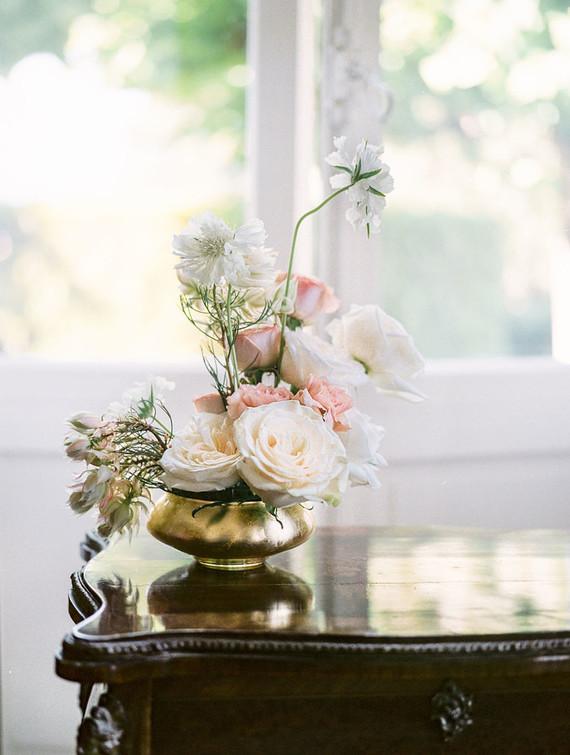 Minimalist floral arrangement