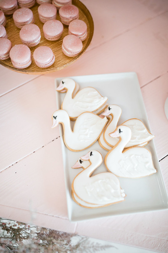 swan themed sugar cookies