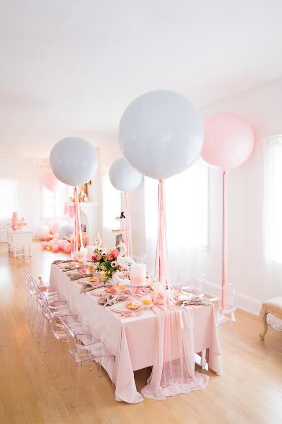 big balloons for girl's birthday