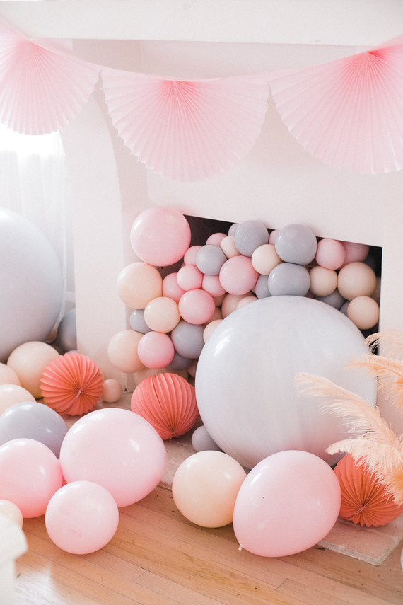 balloon fireplace decoration