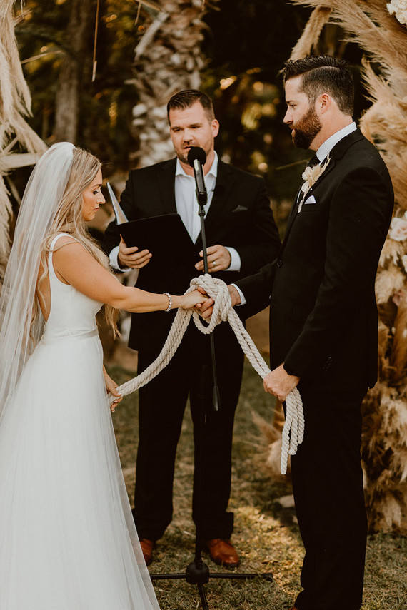 Knot tying ceremony