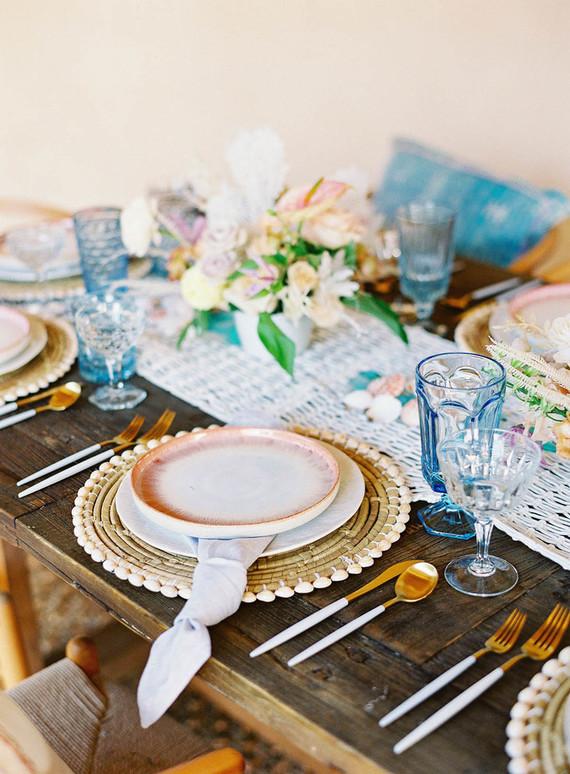 pink + blue tablescape