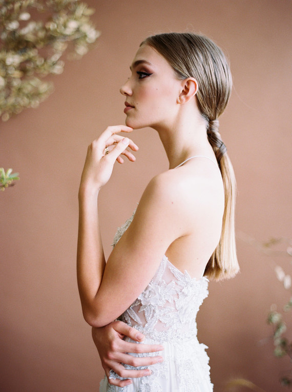 sleek ponytail for bride
