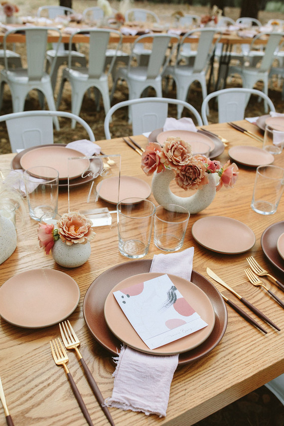 dusty pink tablescape