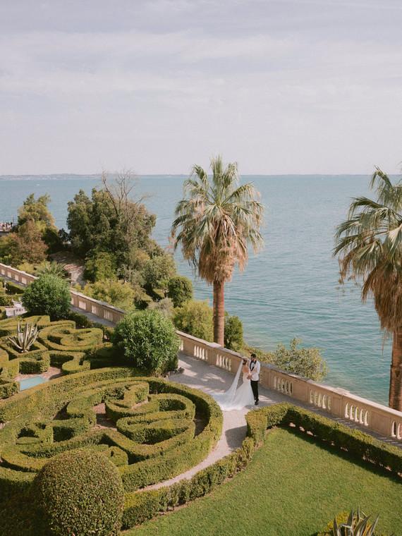 destination wedding at Isola del Garda in Italy