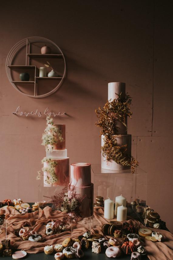 dried flower wedding cakes