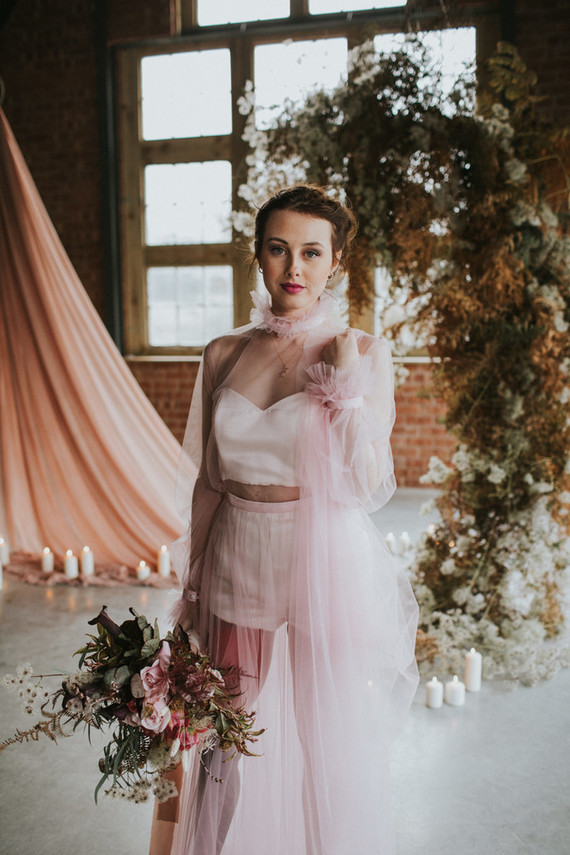 dusty pink wedding flowers