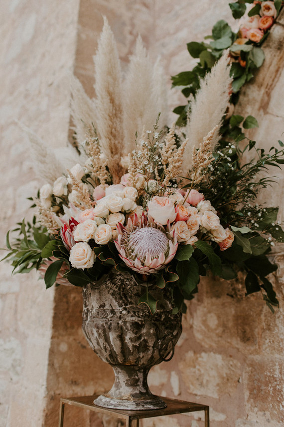 king protea and pampas grass