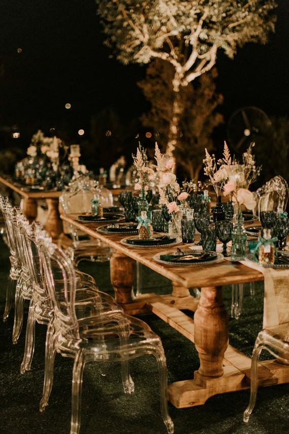 emerald and gold wedding decor