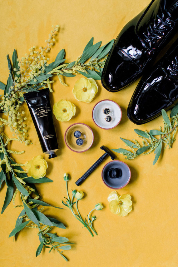 modern black and yellow wedding ideas
