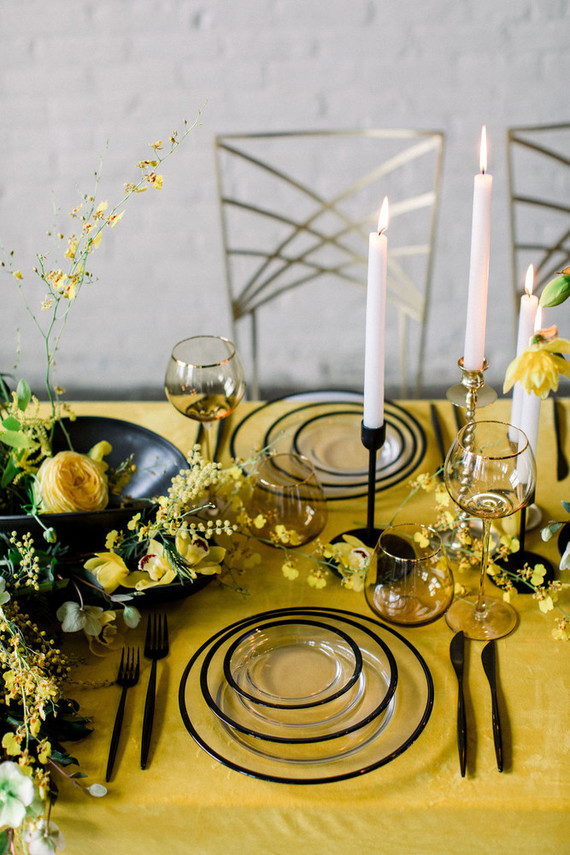 Yellow and blank wedding ideas
