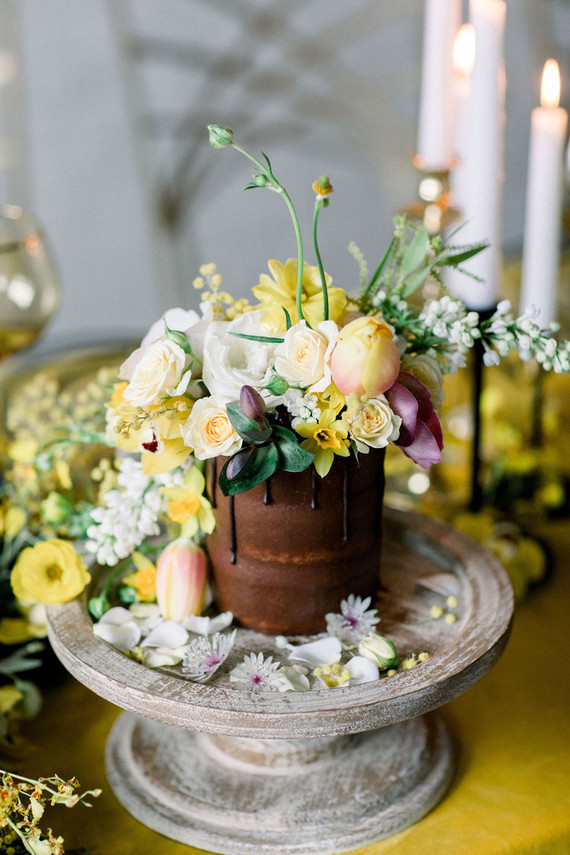 floral mini cake for wedding