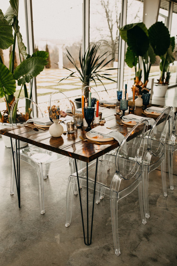 modern desert inspired wedding decor