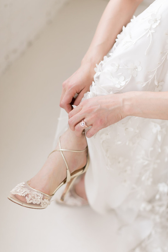 delicate wedding details