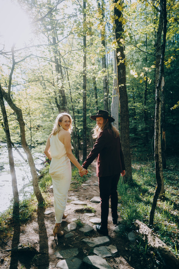 Elopement in the woods