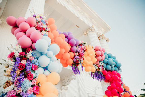 balloon installation for a kids birthday party