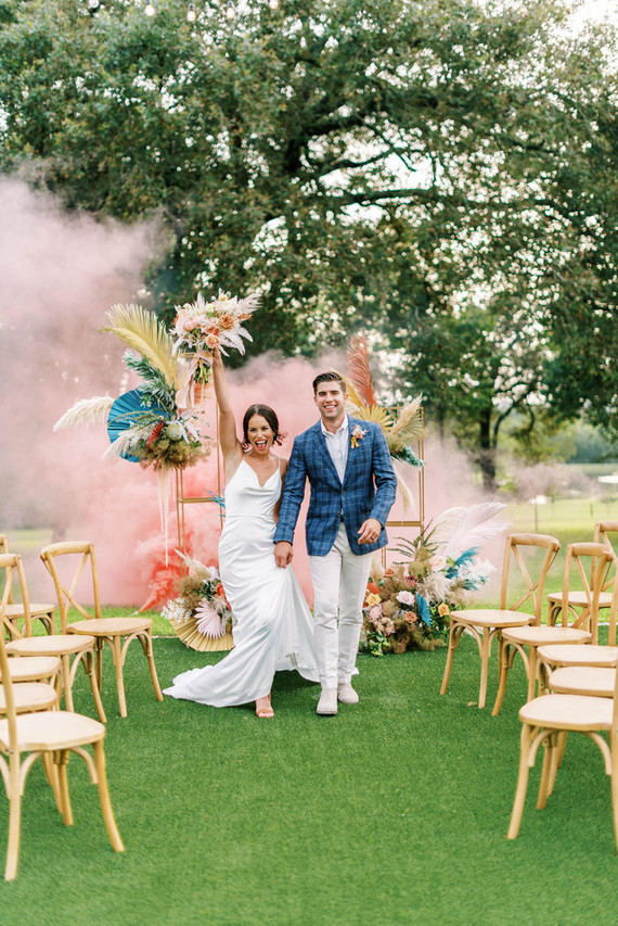 Color Pop meets Havana in this micro wedding inspiration