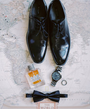 Groom's accessories