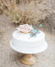 White wedding cakeRue De Seine Bridal