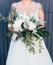 Modern white bouquet
