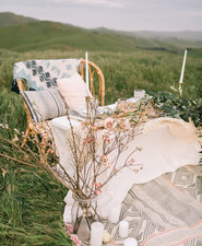 Field wedding decor