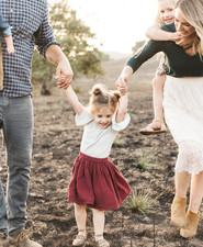 Natural light family photos by Elate Family on 100 Layer Cakelet