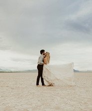 Lunar picnic elopement in the Alvord Desert