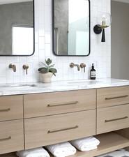 Amanda Dawbarn master bathroom