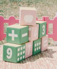 Jewel-themed kids birthday party