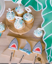 Shark themed cupcakes