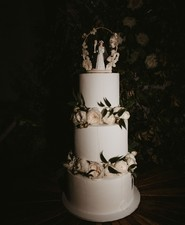Vintage inspired wedding cake
