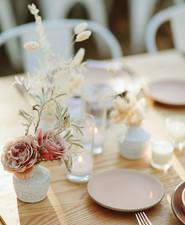 minimalist floral arrangements