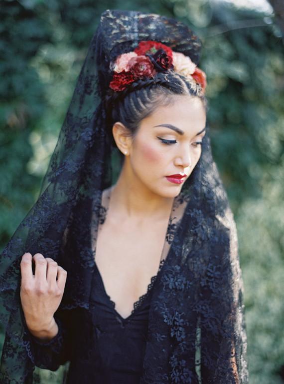 Black Lace Wedding Dress Wedding Amp Party Ideas 100