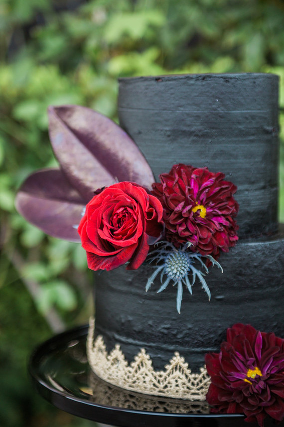 Black And Gold Wedding Cake Wedding Party Ideas 100 Layer Cake