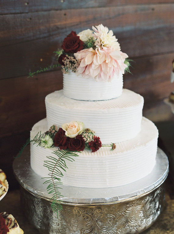 burgundy wedding cake flowers wedding cake wedding amp ideas 100 layer cake 12243