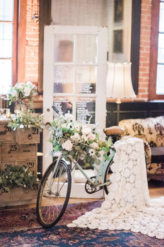 vintage romantic wedding decor wedding party ideas 100 layer cake. Black Bedroom Furniture Sets. Home Design Ideas