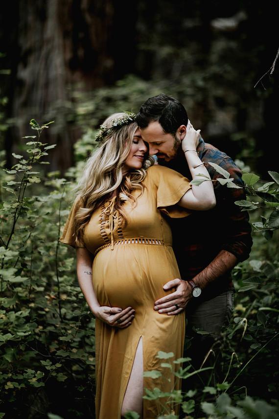 Moody Bohemian Maternity Photos Wedding Amp Party Ideas