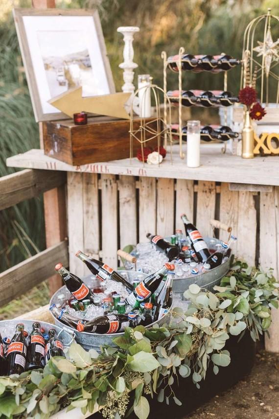 Rustic Wedding Decor Wedding Amp Party Ideas 100 Layer Cake
