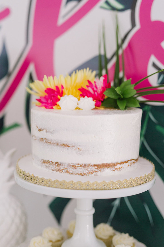 Tropical Cake Wedding Amp Party Ideas 100 Layer Cake