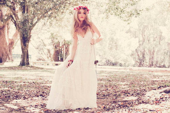 French Lace Wedding Gown: Real Weddings And Wedding Inspiration Ideas